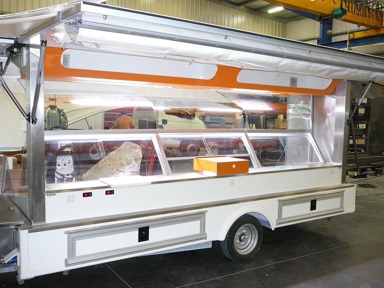 remorque magasin en fabrication am nageur de foodtruck et camion pizza sur bordeaux socori. Black Bedroom Furniture Sets. Home Design Ideas