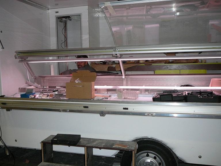 Cr ation d 39 une vitrine refrig r e pour un food truck camion magasin fabrication fran aise - Cuisine fabrication francaise ...