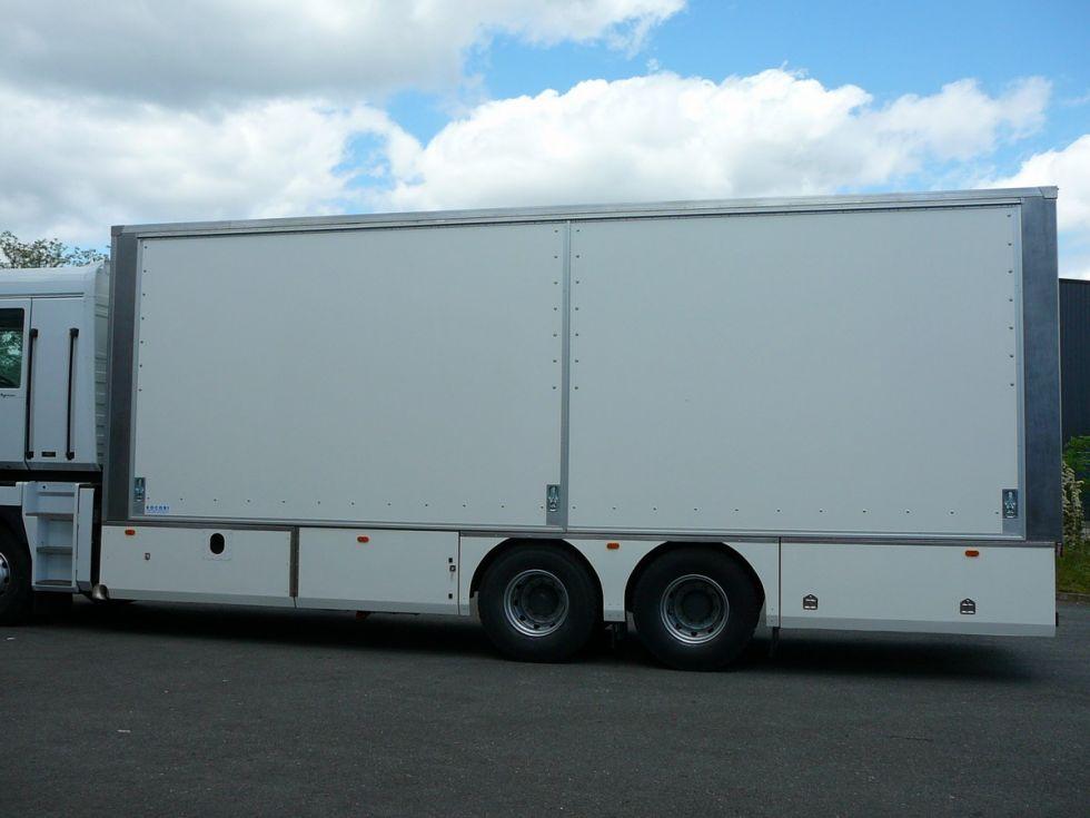 Camion sp cial embouteilleur pour ligne d 39 embouteillage for Piscine mobile sur camion