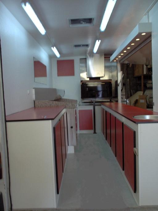 Extrêmement Fourgon magasin PIZZA sur caisse 20m3 - Creation de camion magasin  BT56