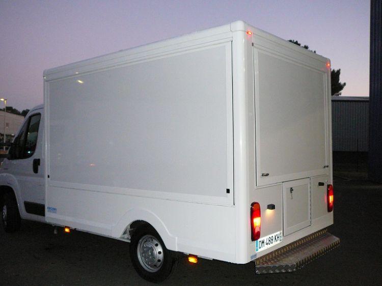 fabricant de camion podium pour concert montpellier socori. Black Bedroom Furniture Sets. Home Design Ideas